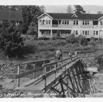 Image of St. Mary's Hospital and bridge