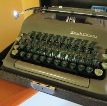 Image of Al Lloyd's typewriter circa 1950s