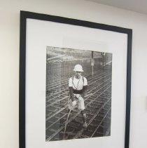 Image of Van De Zande, Doug - Andres Silva dislodging air bubbles in concrete