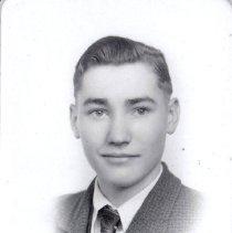 Image of Ralph Tripp Golden High School portrait, 1940