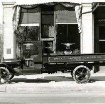 Image of Duvall-Davison Lumber Co. truck