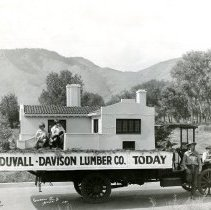 Image of Duvall-Davison Lumber Co. parade float-Today