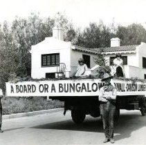 Image of Duvall-Davison Lumber Co. parade float-Today back