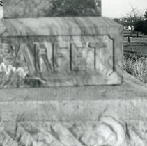 Image of Parfet gravestone at Golden Cemetery