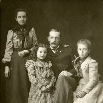 Image of Isaiah Parfet and Family