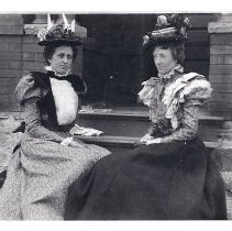 Image of Gertrude and Grace Jameson