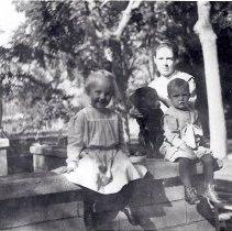Image of Walker, Aunt Bessie, John & Josephine