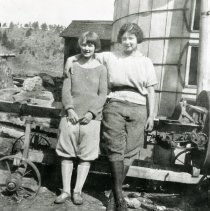 Image of Alice Maguire Ramstetter (left) and Hassie McKnight (right)