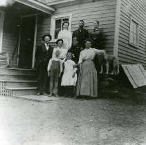 Image of Booton family with Elizabeth Hemberger