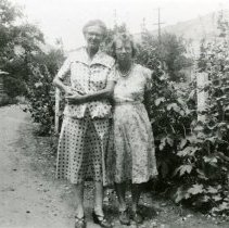 Image of Irene Goetze and Ruth Candel
