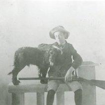 Image of Maurice Hoyt and dog