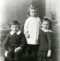 Image of Carlos W. and Alfa Lake's Children