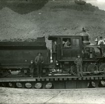 Image of Colorado & Southern engine on turntable