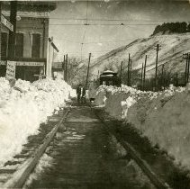 Image of Trolley tracks after the 1913 blizzard