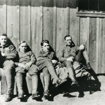 Image of Uncle Bill Todd with WWI buddies