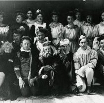 "Image of ""The Merchant of Venice"" cast"