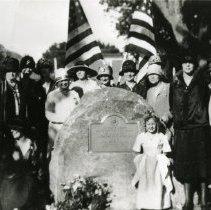Image of DAR plaque dedication in Parfet Park