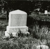Image of Gravemarker for Brown