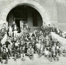 Image of Colorado School of Mines Freshman Class with Professor Lakes