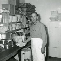 Image of DeVere (Dud) Young in the Kitchen at Dud's
