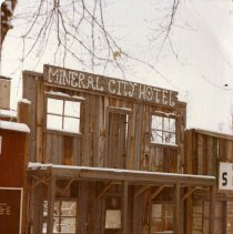 Image of Mineral City Hotel false front
