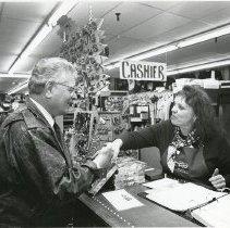 Image of Romer Visits Bowles at Foss