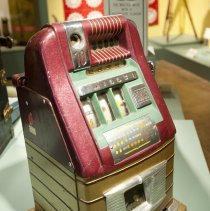 Image of 2008.010.069 - Machine, Slot