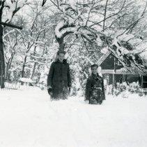 Image of Barbara and Carole Koch