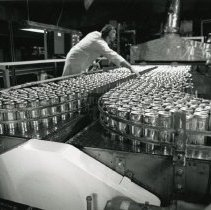 Image of Coors can manufacturing plant