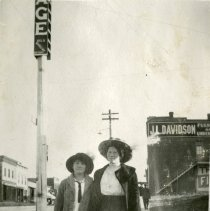 Image of Anna Spelies and Irma on Washington Avenue