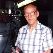 Image of Ruben Hartmeister with surgical rod cutter