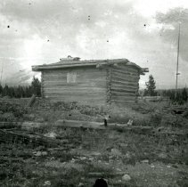 Image of Unidentified log cabin
