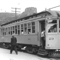 Image of Denver & Intermountain Railroad cars in Golden