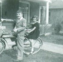 Image of Sandi and John Hampton on bike