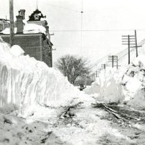 Image of East 12th Street after 1913 blizzard