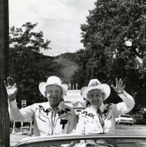 Image of Weigands as Buffalo Bill Days parade marshalls