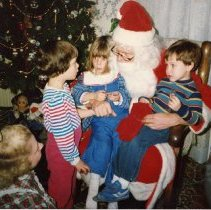 Image of Santa and children at Astor House