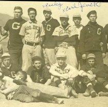Image of Golden High School baseball team