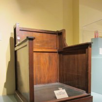 Image of 1877.001 - Witness Box
