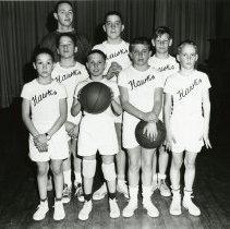 Image of Hawks basketball team