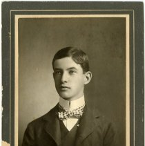 Image of cabinet card George Devinny