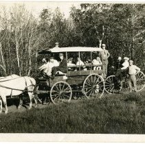 Image of wagon excursion to Lookout Mountain