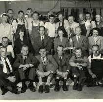 Image of Sentinel staff with award
