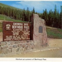 Image of Markers at summit of Berthoud Pass