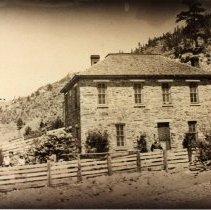 Image of Centennial House circa early 1900s
