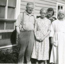 Image of Sam, Cora, Katie, & Annie Koenig