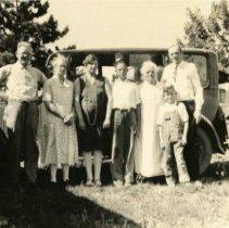 Image of Sam, Cora, Katie, Carl & Annie Koenig