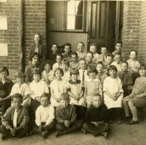 Image of South School class photo ca. 1920s