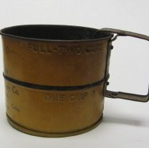Image of Metal flour sifter 2
