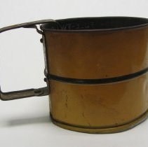 Image of Metal flour sifter 3